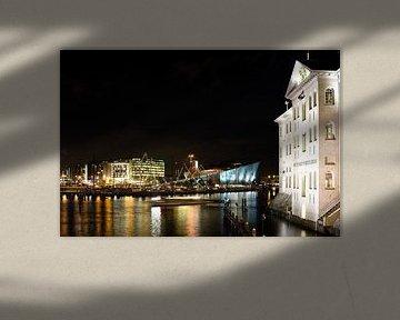 Avondbeeld van Oosterdok in Amsterdam van Wim Stolwerk