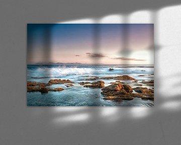 Rocks on the coast of Punta Pechiguera, Lanzarote island, Spain. von Carlos Charlez