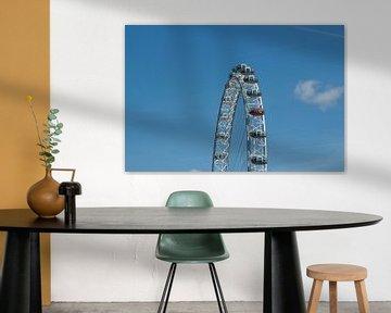 London Eye met strak blauwe lucht. sur Maurice Welling