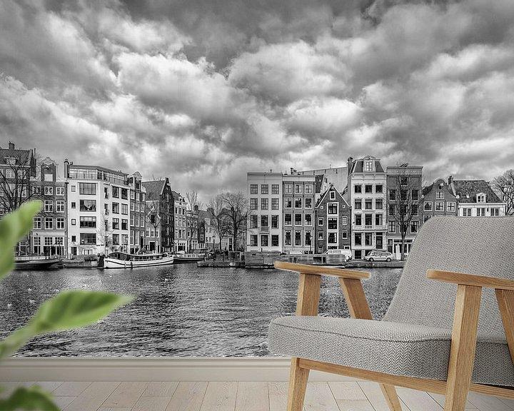 Sfeerimpressie behang: Staalkade Amsterdam van Don Fonzarelli