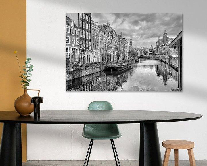 Sfeerimpressie: Het Singel(Bloemenmarkt) in Amsterdam. van Don Fonzarelli