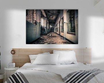Hallway Monitor von Cho Tang