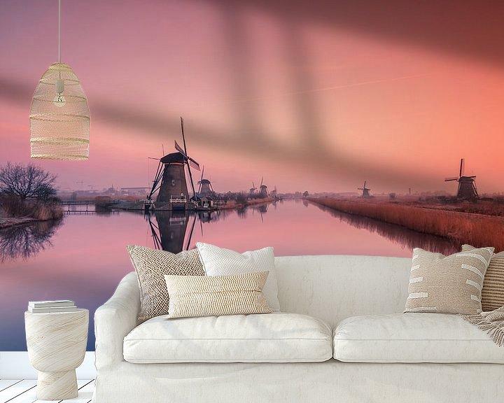 Sfeerimpressie behang: Kinderdijk bij zonsopkomst van Ilya Korzelius