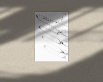 serie the Opposite, Stamper wit (abstract-keukengerei) von Kristian Hoekman