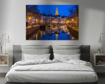 Blauwe uur met een uitzicht op de Der Aa-kerk in Groningen van Ardi Mulder
