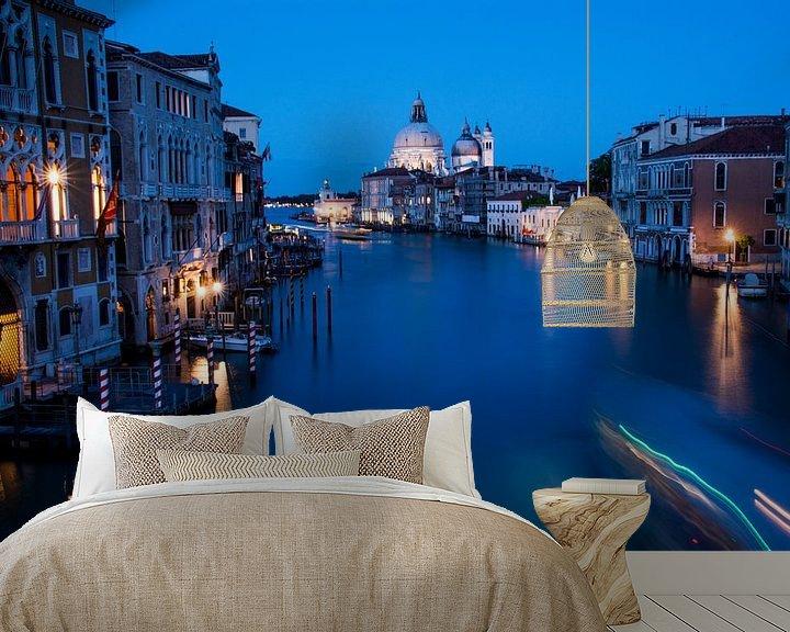Sfeerimpressie behang: Venetië - nachtfoto - Grand Canal van Ton de Koning