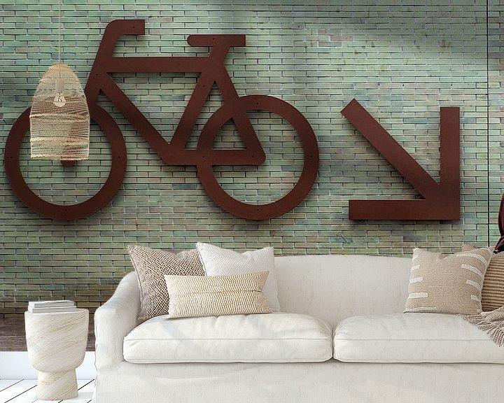 Impression: Op weg naar de fietsenkelder. sur Maerten Prins