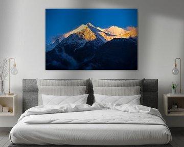 Alpenglow op de Walliser Alpen, Zwitserland van Menno Boermans