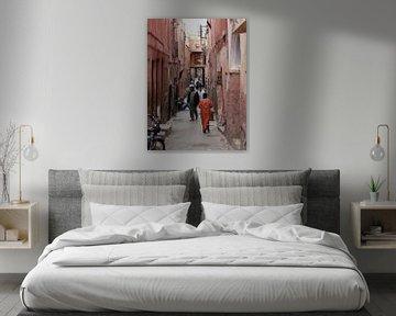 Levendig straatbeeld in Marokko van Gonnie van de Schans