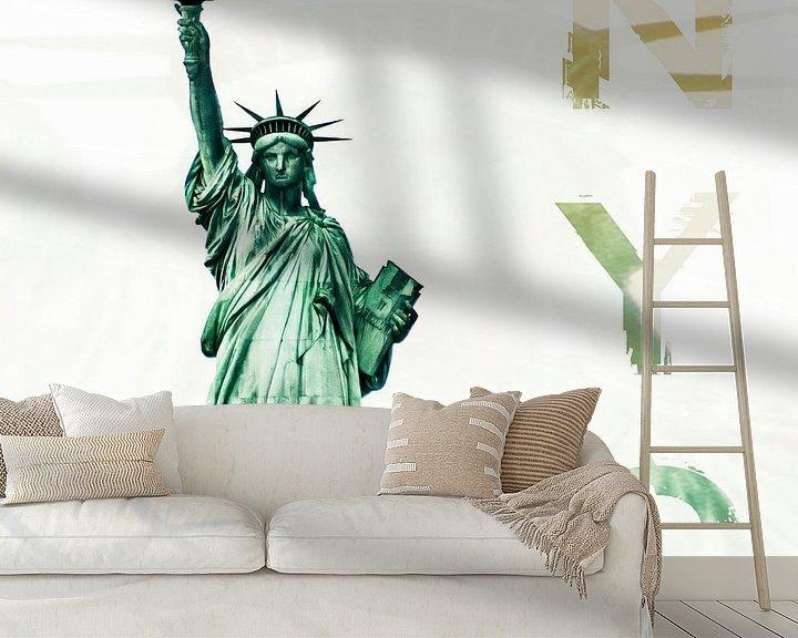 Sfeerimpressie behang: NYC - Lady Liberty van Hannes Cmarits