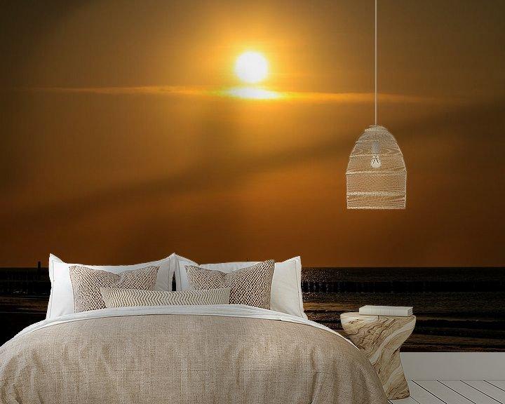 Sfeerimpressie behang: Schip onder de ondergaande zon van Fotografie Jeronimo