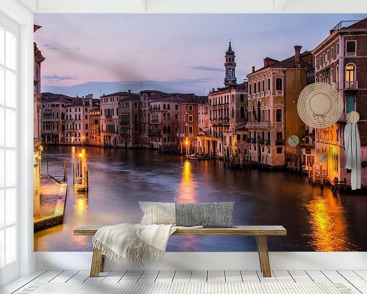 Sfeerimpressie behang: Canal Grande in avondlicht - Venetië van Ton de Koning