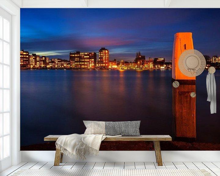 Sfeerimpressie behang: Skyline Zwijndrecht vanaf Dordrecht tijdens Schemering, Nederland van Frank Peters
