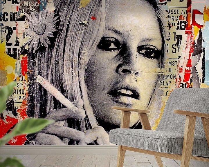 Sfeerimpressie behang: Brigitte Bardot is roken van Michiel Folkers