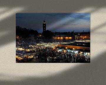 Avond op het Djemaa el Fna in Marrakech van Gonnie van de Schans