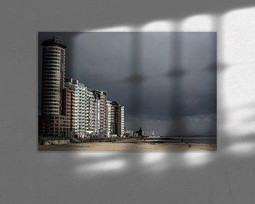 Boulevard van Vlissingen onder een donkere lucht (kleur)