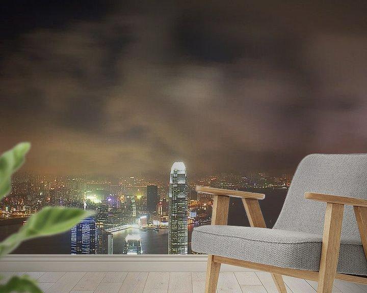 Sfeerimpressie behang: Hong Kong by night van Paul Jespers