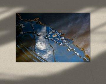 Serie Weerspiegeling in het grijze water 2 van Alice Berkien-van Mil