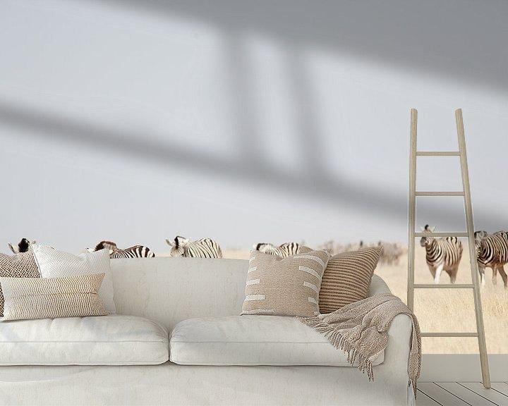 Sfeerimpressie behang: Zebra's in Etosha NP Namibie van Ellen van Drunen