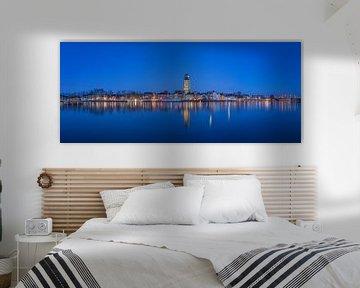 Panorama foto van De Welle in Deventer tijdens het blauwe uur van Ardi Mulder