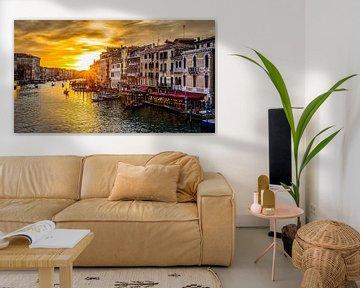Venedig - Canal Grande bei Sonnenuntergang von Teun Ruijters