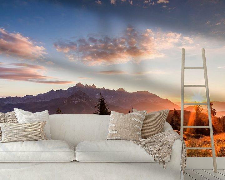 """Sfeerimpressie behang: Berglandschap """"Zonsopkomst in de bergen"""" van Coen Weesjes"""