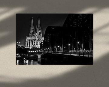 Dom van Keulen, Hohenzollern Bridge, zwart en wit van Norbert Sülzner