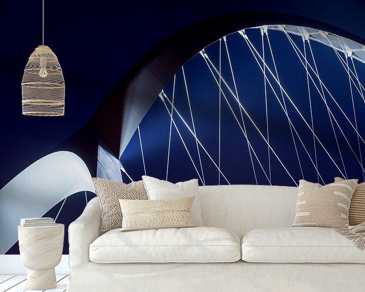 Sfeerimpressie behang: Crossing blue van Maerten Prins