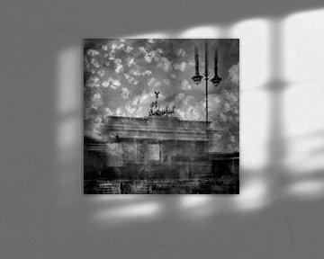City-Art Berlin Brandenburger Tor II schwarz-weiß von Melanie Viola