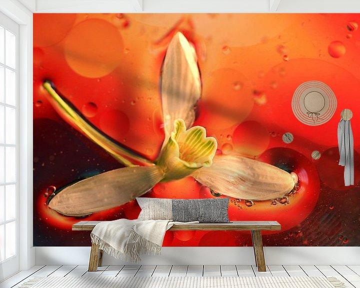 Sfeerimpressie behang: Drijvende Bloem van Marcel van Rijn
