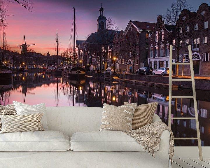 Sfeerimpressie behang: Lange Haven Schiedam bij zonsondergang van Ilya Korzelius