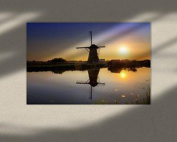 Kinderdijk zonsondergang silhouette van Dennis van de Water