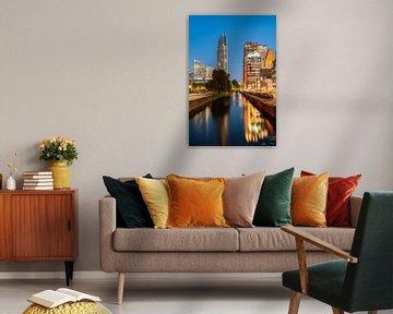 Den Haag Skyline met spiegeling in de Prinsessegracht. van John Verbruggen