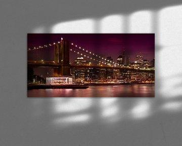 MANHATTAN Brooklyn Bridge at Night van Melanie Viola