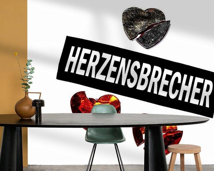 Sfeerimpressie behang: Hij is een hartenbreker. van Norbert Sülzner