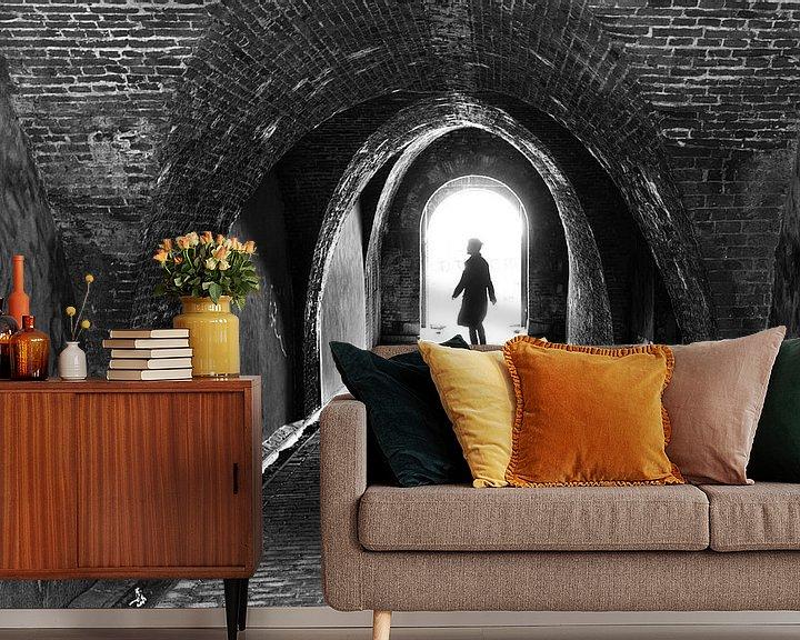 Impression: Silhouette van vrouw in werfkelder. Wout Kok One2expose sur Wout Kok