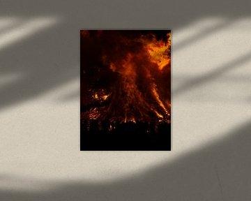 Fire IV von M Lolkema