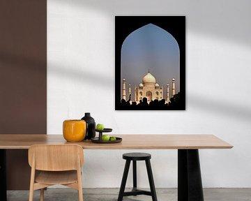 India - Taj Mahal - the first view van Carina Buchspies
