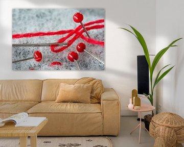 Rode draad, naald en spelden van Kok and Kok