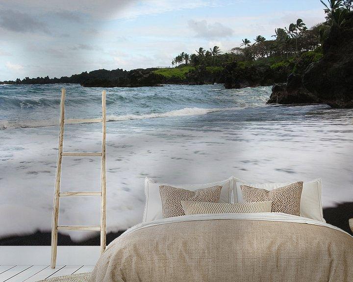 Impression: Black sand beach Hawaii sur Louise Poortvliet