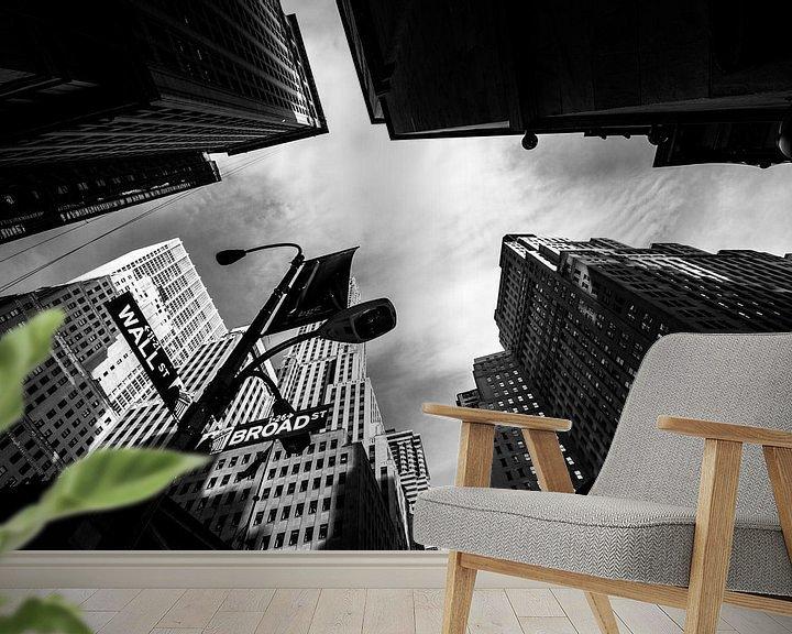 Sfeerimpressie behang: Wallstreet New York zwart wit van Lex Scholten