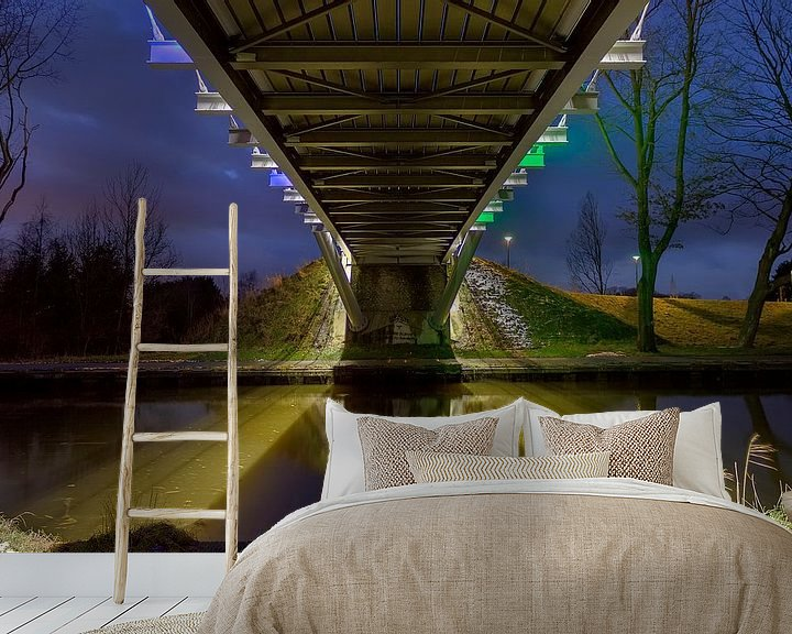 Sfeerimpressie behang: Fietsbrug van Photo Dante
