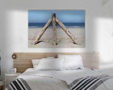 Houten hek op het strand van Marit Visser