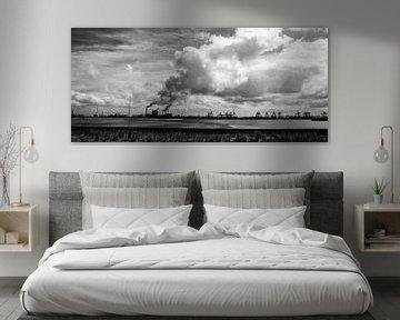 Industrie naast de 2e Maasvlakte in zwart-wit van de buurtfotograaf Leontien