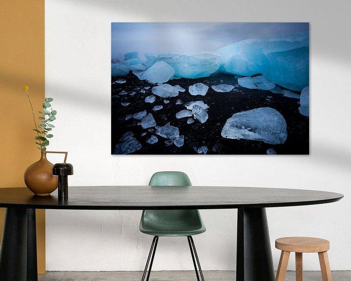 Sfeerimpressie: IJsbergen op zwart strand van Prachtt