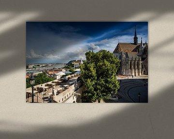 Uitzicht over Boedapest van Leon Weggelaar