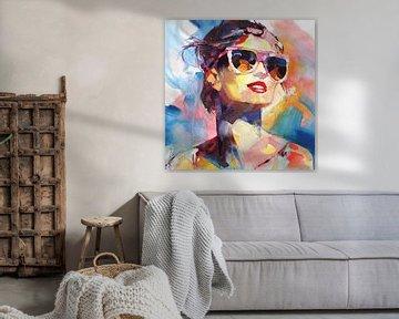 Une dame avec des lunettes de soleil sur Branko Kostic
