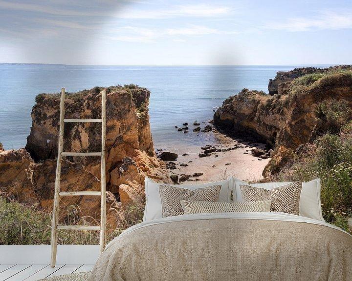 Sfeerimpressie behang: de rotsen van de algarve bij Laos in Portugal van Compuinfoto .