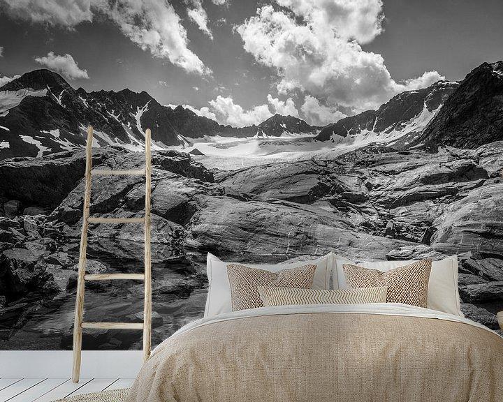 Sfeerimpressie behang: Bachfallen gletscher van Christian Reijnoudt