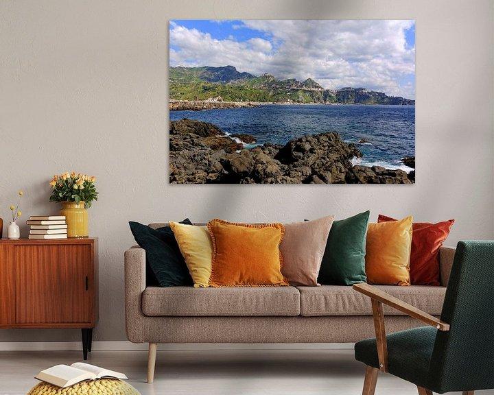 Sfeerimpressie: View of Taormina van Gisela Scheffbuch